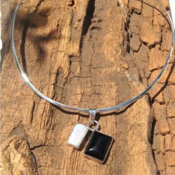 collier-pendentif-perle-d-onyx